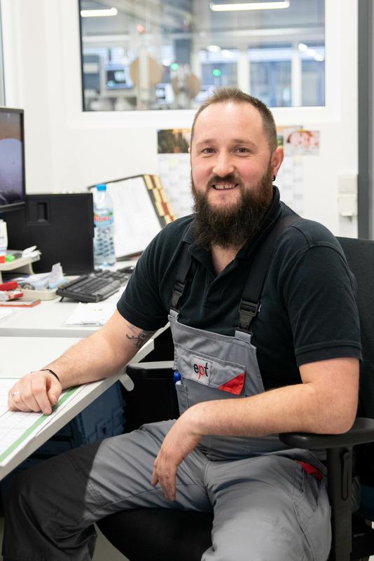 Alexander Kotz am Arbeitsplatz